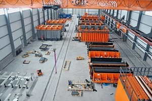 Produktionshalle in Ica mit drei Modulschalungen, Dach- und Treppenschalungen sowie Batterieschalung