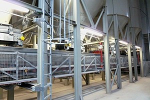 """<div class=""""bildtext_en"""">Gasus batching system with weighing conveyor and silos</div>"""
