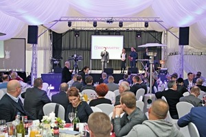 "<div class=""bildtext_en"">Dariusz Kupidura, President of Techmatik, expressed his thanks to the numerous guests, ...</div>"