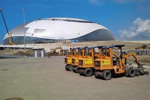 """<div class=""""bildtext"""">Für die Pflasterung in Olympiapark Sochi wurde die Verlegemaschine VM-203 eingesetzt</div>"""