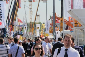 """<div class=""""bildtext_en"""">The overall exhibition areas that were smaller this time were well attended on the second and third day of the trade show </div>"""
