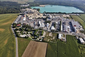 "<div class=""bildtext_en"">Aerial photograph of the company headquarters of Birkenmeier Stein + Design GmbH located in Breisach-Niederrimsingen/Germany</div>"