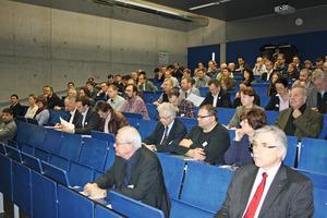 Der Hörsaal in der Hochschule Regensburg war bis zum Ende des letzten Vortrags gut besetzt<br />