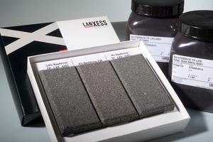 Die neuen Pigmente sorgen für dauerhafte, blaustichige Schwarzfärbung