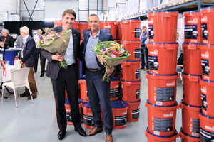 Dirk Sieverding (left), managing partner of the Remmers Group, and Hendrik-Jan Verweij, director of the Remmers' subsidiary in the Netherlands, inaugurated the new building