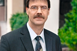 "<span class=""bildunterschrift_hervorgehoben"">Fig. 1</span> Dietmar Ulonska, Manager of SLG Concrete Association, will give the first guest lecture at TU Berlin on November 21."