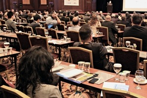 "<div class=""bildtext_en"">The main conference room was very well attended at the first day</div>"