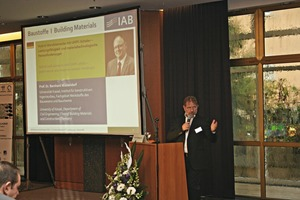 """Dr.-Ing. Ulrich Palzer, the Institute Director, again moderated high-ranking speakers for around 300participants """"concrete(ly) unbeatable"""""""