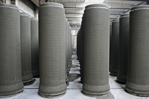 """<div class=""""bildtext_en"""">These drain pipes concreted 24 hours previously appear in rank and file – an important product field of Betonika Plus</div>"""