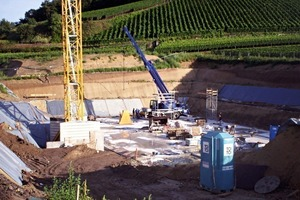 """<div class=""""bildtext_en"""">The basement levels of the wine-press building of the Abril wine estate in Bischoffingen, Germany, are built immediately adjacent to the vineyard</div>"""