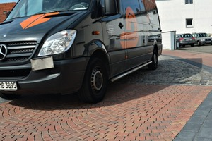 """<div class=""""bildtext_en"""">The ArcoStrada curved paving segments withstand even higher loads thanks to the CombiStabil interlocking system</div>"""