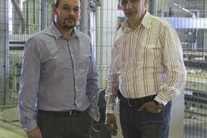 Alexander Geller, Geschäftsführer von Fabrika Gotika, und Rafael Resch, Vertriebsdirektor Osteuropa bei der Hess Group (rechts)