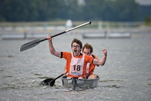 """<div class=""""bildtext_en"""">The team from the Netherlands won the men's final with their boat """"Hannibal""""</div>"""