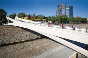 Barrierefreie Fuß- und Radwegbrücke in Wien
