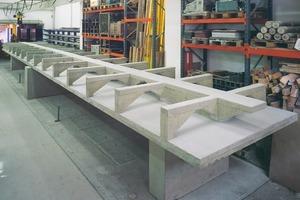 "<span class=""bildunterschrift_hervorgehoben"">Fig. 2</span> Ribbed floor construction for installations."