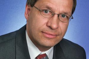 """<div class=""""vitatext""""><strong>AUTHOR</strong></div><div class=""""vitatext""""><strong>Univ.-Prof. Dr.-Ing. Karl-Christian Thienel; </strong>Universität der Bundeswehr München, Neubiberg</div><div class=""""vitatext""""><script language=""""JavaScript"""">document.write('<a href=""""' + 'mailto:' + 'christian.thienel' + '@' + 'unibw' + '.' + 'de' + '"""">' + 'christian.thienel' + '@' + 'unibw' + '.' + 'de' + '</a>');</script></div><div class=""""vitatext"""">Bauingenieurstudium an der TU Braunschweig; 1988 bis 1993 wissenschaftlicher Mitarbeiter am Institut für Baustoffe, Massivbau und Brandschutz der TU Braunschweig; 1993 bis 1995 Forschung als Feodor-Lynen-Stipendiat der Alexander-von-Humboldt Stiftung am Center for Advanced Cement Based Materials (ACBM) der Northwestern University, USA; 1995 bis 2003 Mitarbeiter der Liapor GmbH &amp; Co. KG, ab 1997 Leiter F&amp;E der Liapor GmbH &amp; Co. KG; seit 2003 Universitätsprofessor und Leiter des Instituts für Werkstoffe des Bauwesens der Universität der Bundeswehr München</div>"""