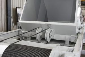 "<div class=""bildunterschrift_en"">Two are better than one: The conveyor bins containing the bulk materials are secured </div>"