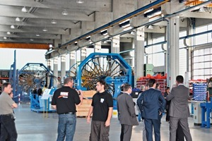 """<span class=""""bildunterschrift_hervorgehoben"""">Fig. 1</span> On the occasion of an """"open house"""", the visitors could gather information about the activities of the machine manufacturing company in all factory halls.<br />"""