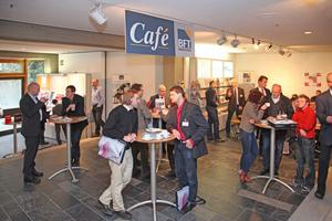 … oder im Café der Fachzeitschrift BFT International
