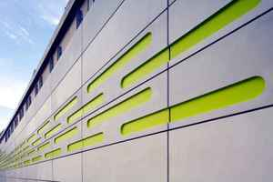 """<div class=""""bildunterschrift_en"""">3D textile reinforced cladding panels of only 30 mm thickness were used on the façade of train station Arnheim in the Netherlands</div>"""
