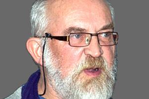 """<div class=""""vitatext""""><strong>Dipl.-Ing. Dietmar Wesser;</strong> IAB – Institut für Angewandte Bauforschung Weimar gGmbH, Weimar</div><div class=""""vitatext""""><span class=""""ulm_email""""><script language=""""JavaScript"""">document.write('<a href=""""' + 'mailto:' + 'd.wesser' + '@' + 'IAB-Weimar' + '.' + 'de' + '"""">' + 'd.wesser' + '@' + 'IAB-Weimar' + '.' + 'de' + '</a>');</script></span></div><div class=""""vitatext"""">Geboren 1951; 1969 bis 1973 Studium der Baustoffverfahrenstechnik an der HAB Weimar (heute Bauhaus-Universität Weimar); 1973 bis 1990 leitende Tätigkeiten in verschiedenen Unternehmen und Instituten der Bau- und Baustoffindustrie in Thüringen; 1990 bis 2008 geschäftsführender Gesellschafter der Wesser Beton Firmengruppe in Pölzig; 2008 bis 2010 beratender Ingenieur der TRS Ltd. London, Großbritannien; seit 2010 wissenschaftlicher Mitarbeiter am IAB – Institut für Angewandte Bauforschung Weimar gGmbH, Forschungsbereich Baustoffe, Fachbereich Beton und Mörtel</div>"""