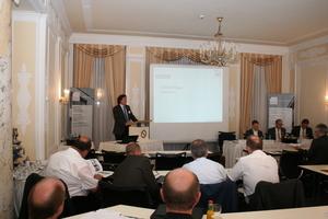 Wilfried Röser, Vorsitzender des Güteschutz Beton- und Fertigteilwerke Baden-Württemberg e. V., begrüßte die Teilnehmer der Veranstaltung