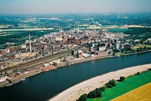 """<div class=""""bildtext"""">Der Chempark Krefeld-Uerdingen ist ein wichtiger Standort für Lanxess und Hauptsitz des Geschäftsbereichs Inorganic Pigments</div>"""