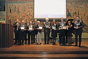 "<div class=""bildtext_en"">Dr. Fabio Potestà, Director of Media­point &amp; Communications and organizer of GIC (left) presented the awards of the ""Italian Concrete Technology""</div>"