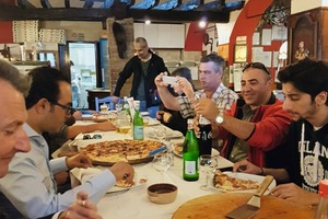 """<div class=""""bildtext_en"""">Culinary pleasures were also catered to during the Technical Tour </div>"""