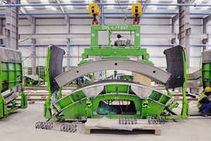 """<div class=""""bildtext_en"""">Manufacturing facility for the tunnel segments … </div>"""