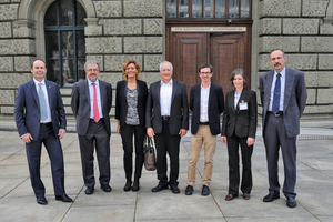 The speakers (from left to right): Peter Wellauer, Holcim (Schweiz) AG, Prof. Thomas Vogel, ETH Zurich, Dr. Carola Edvardsen, Cowi A/S, Denmark, Bernhard Zindel, Logbau AG, Maienfeld, Prof. Dr. Guillaume Habert, ETH Zurich, Kerstin Wassmann, Holcim (Schweiz) AG, Dr. Peter Kunz, Eberhard Bau AG, Kloten