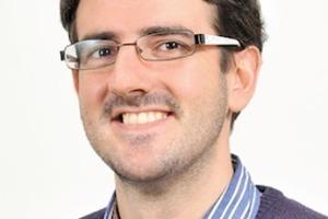 Emilio García-Taengua Research Fellow an der Queen's University of Belfast (GB). Als ausgebildeter Bauingenieur verfügt er über einen MSc(MEng)-Abschluss im Bauingenieurwesen, den er an der Universitat Politècnica de València (UPV) in Spanien erworben hat. Dort schloss er auch seine Doktorarbeit ab. Darüber hinaus konzentriert er sich auf die Datenanalyse und verfügt über einen MSc-Abschluss in Angewandter Statistik. Er war über sieben Jahre an der UPV tätig, unter anderem als Dozent für Baustoffe. Seine Forschungsschwerpunkte sind selbstverdichtende und faserbewehrte Betone sowie Betone mit Recyclingkörnung für konstruktive Anwendungen. (e.garcia-taengua@qub.ac.uk)