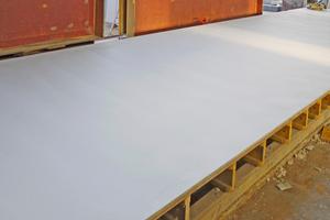 "<div class=""bildunterschrift_en"">Ready to pour concrete: The jointless large area surface with Alkus solid plastic panels </div>"