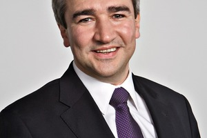 "<div class=""bildtext_en"">Dr. Christian Hanser, shareholder and managing director of SAA Engineering </div>"