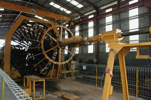"""<div class=""""bildtext_en"""">... and the cage welding machine for the production of reinforcement commissioned only in 2016</div>"""