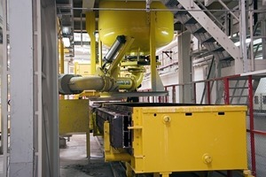 """<div class=""""bildtext_en"""">Mixer discharge and mold filling device</div>"""