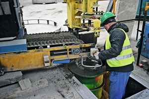 … other products use earth moist concrete from the belt conveyor