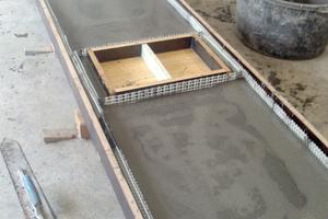 """<div class=""""bildtext_en"""">Manufacture of the countertop in the workshop of the </div><div class=""""bildtext_en"""">Interior Designer Jörg Sander in Selb</div>"""