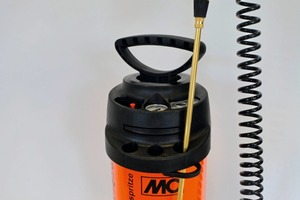 """<div class=""""bildtext_en"""">Special sprayer MC-Spezialspitze: Recommended by MC for easy, quick and reliable application of its new Ortolan Extra concrete release emulsion</div>"""