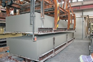 """<span class=""""bildunterschrift_hervorgehoben"""">Fig. 14</span> The aerated concrete blocks are stacked prior to curing to optimize space utilization in the autoclave.<br />"""