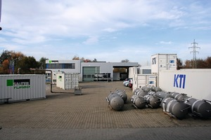 Current topic is the expansion of the previous KTI product portfolio for concrete cooling (right) by the concrete heating systems from Sauter (left)
