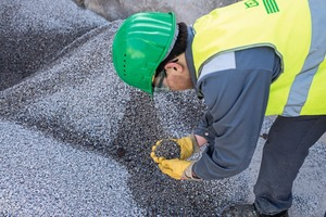 """<div class=""""bildtext_en"""">Material for the next generation: resource-saving R-concrete with recycled aggregate</div>"""