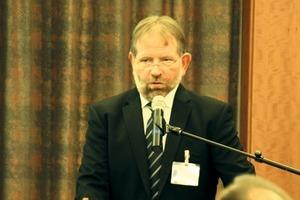 """<div class=""""bildtext"""">Dr.-Ing. Ulrich Palzer begrüßte mehr als 300 Teilnehmer zu den IAB-Wissenschaftstagen, erstmals gemeinsam durchgeführt von den beiden Gesellschaftern IFF und FITR</div>"""