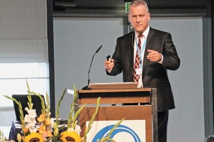 """<div class=""""bildtext_en"""">Holger Stichel, General Manager of Kobra Formen, discussed global product trends in modern mold building in the concrete products industry</div>"""