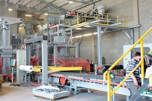 Fig. 1 The new stone machine at work in the Stryi plant.