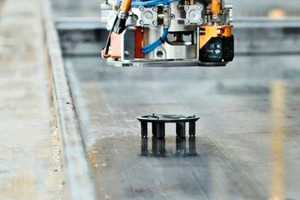 "<div class=""bildtext_en"">The automation ensures not only uniform concrete cover, but more efficient production as well: the savings made possible by reduced material consumption and by time gains are considerable</div>"